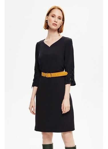 NaraMaxx Kemer Detaylı V Yaka Elbise Lacivert